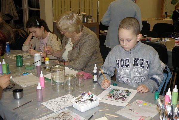 Tvorivé dielne budú cez letné prázdniny organizovať viaceré kultúrne inštitúcie.