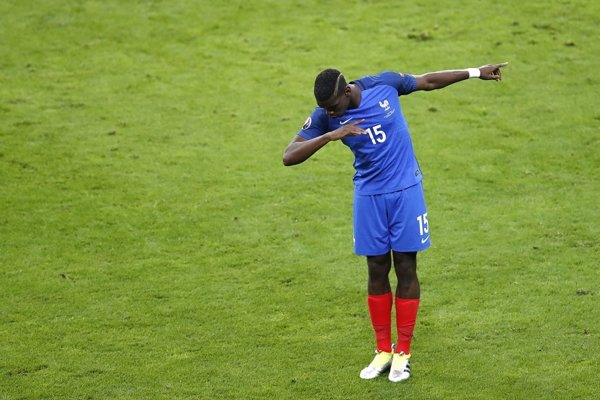 Chce ho Manchester United či Real Madrid. Paul Pogba sa pričinil o postup Francúzska do semifinále.