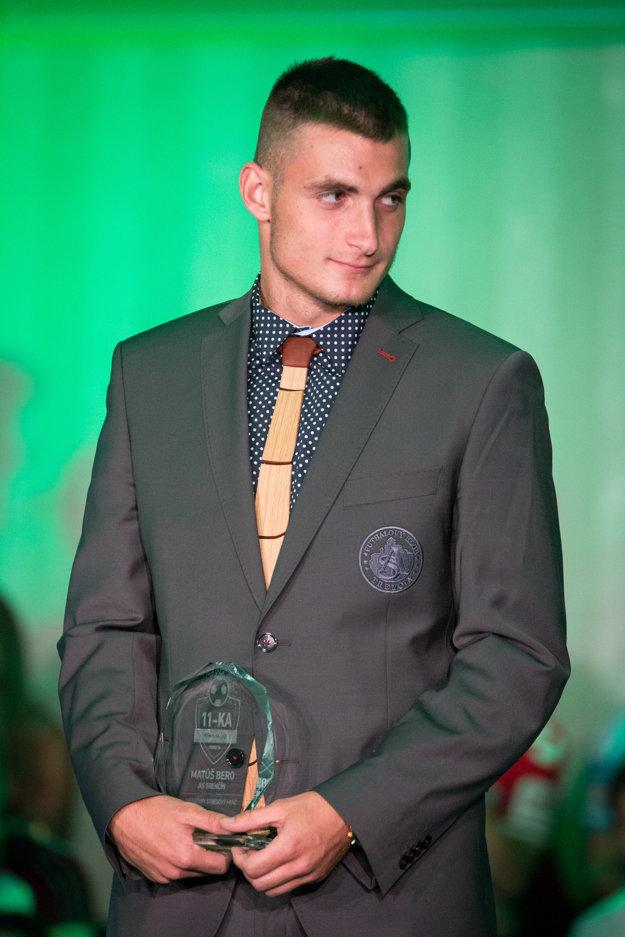 Matúš Bero si prevzal cenu pre najlepšieho ofenzívneho hráča Fortuna ligy 2015/2016.
