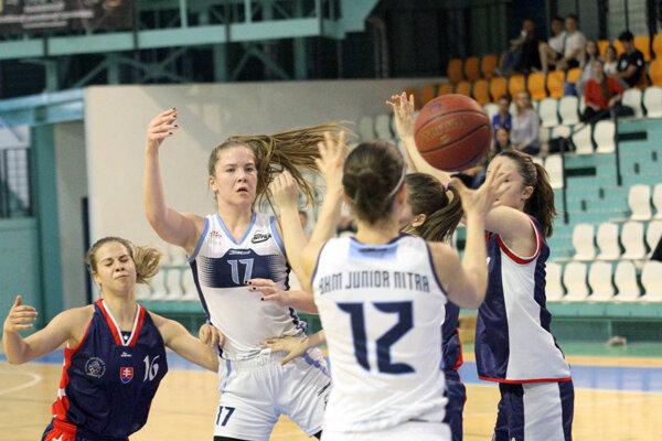 V sezóne 2016/17 si najvyššiu súťaž zahrajú aj ženy Nitry.