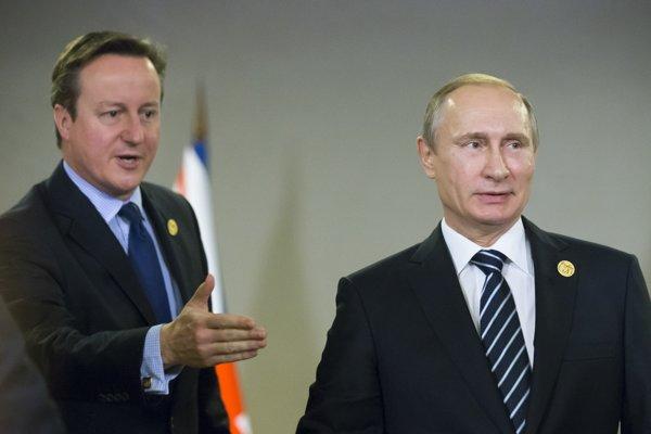 Britský premiér David Cameron s ruským prezidentom Vladimirom Putinom na summite G-20 v tureckej Antalyi v novemberi 2015.