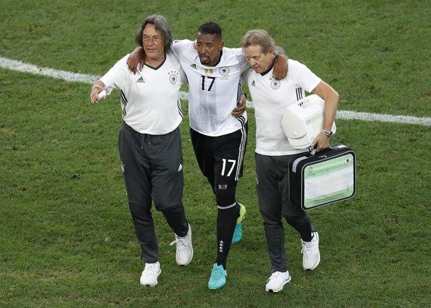 Zranený Jerome Boateng.