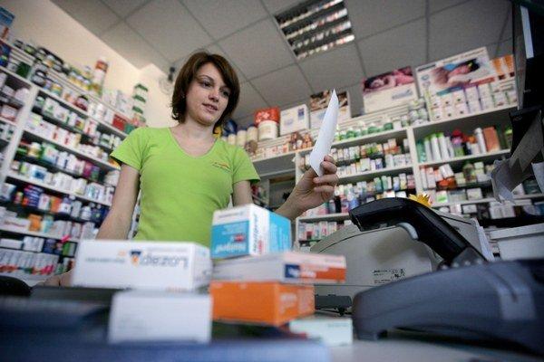 Distribútor liekov si vybuduje vlastnú sieť lekární.