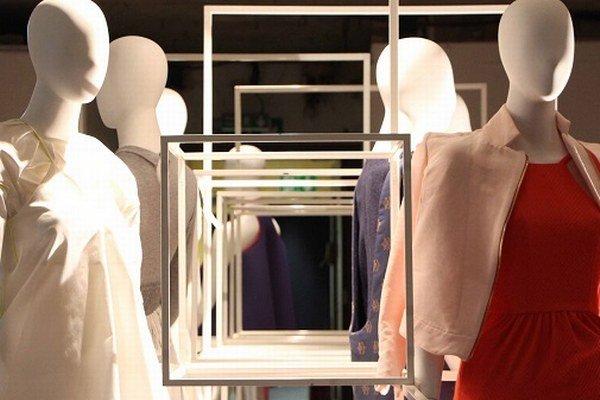 Inštalácie modelov na Medzinárodnej výstave módy v Londýne.