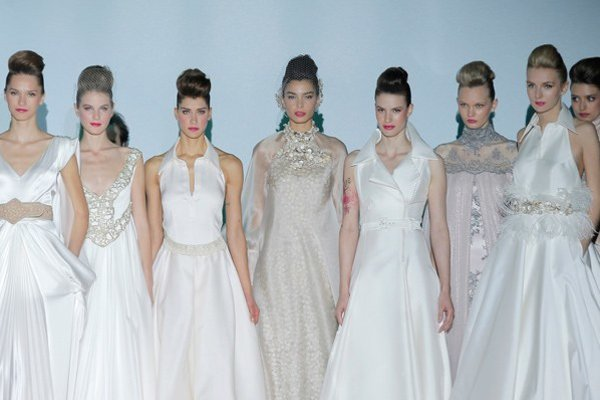 Kolekcia svadobných šiat Izabel Zapardiez / Barcelona Bridal Week