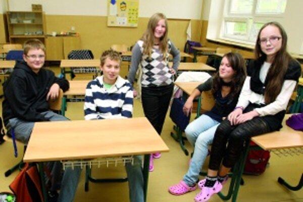 Zľava: Viktor (11), Jakub (13), Romana (11), Zuzana (12) a Radka (11)