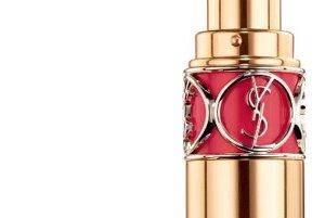 Krémový rúž v zmyselnej jasnej farbe Volupté shine, Yves Saint Laurent, 33 €
