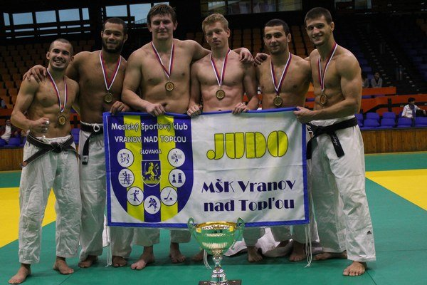 Interligoví víťazi. Džudisti z Vranova triumfovali v Prahe.