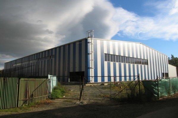 Rozostavaný zimný štadión vo Vranove. Rysuje sa jeho dokončenie.