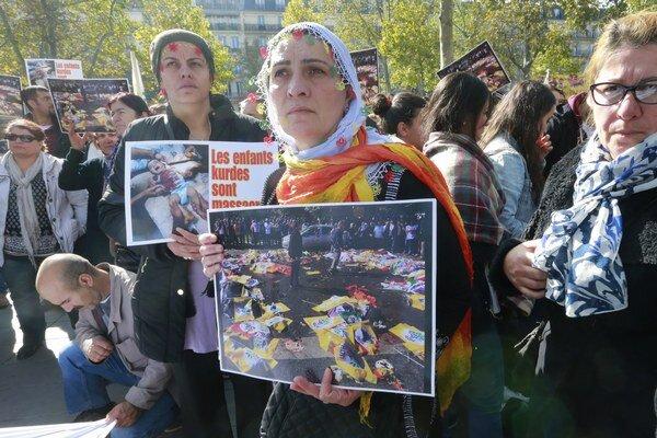 Útok s desiatkami obetí v hlavnom meste môže byť tým momentom, ktorý definitívne pochová krehkú stabilitu súčasného Turecka.