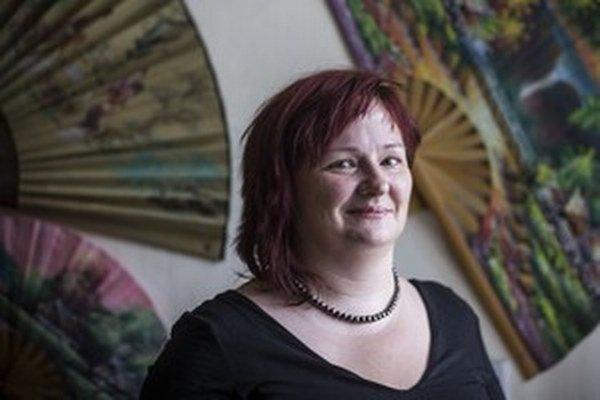 Doc. PaedDr. Barbora Kováčová, PhD. (1975) vyštudovala liečebnú pedagogiku na Pedagogickej fakulte Univerzity Komenského v Bratislave, pracovala ako liečebná pedagogička v Žarnovici, v Banskej Bystrici a v Špecializovanom liečebnom ústave Marína v