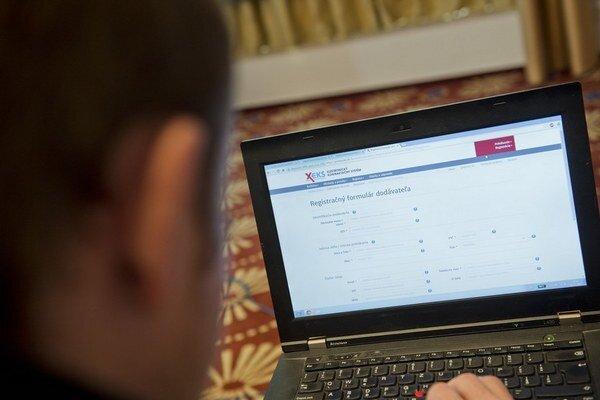 Na štátne elektronické trhovisko sa už zaregistrovalo vyše 400 firiem.