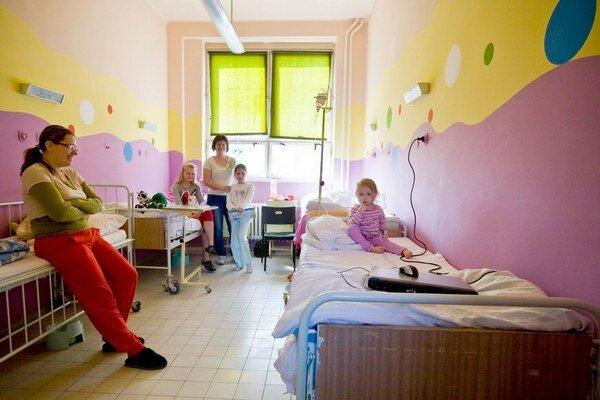 Poisťovne platia rôznym nemocniciam odlišné sumy.