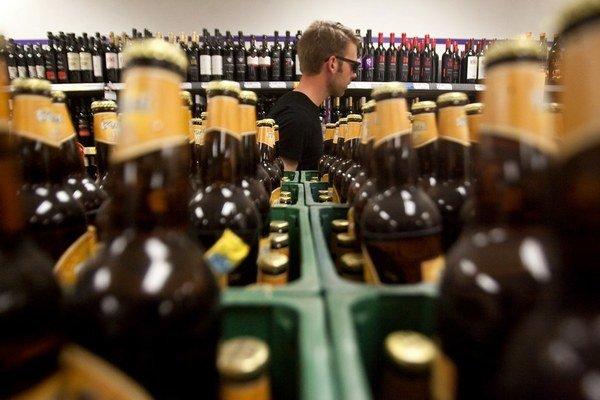 Menšie ako pollitrové fľaše piva môžu časom v predajniach pribudnúť.