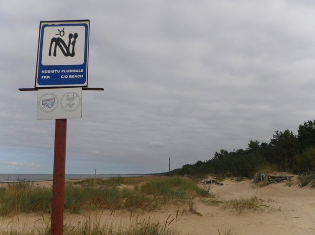 Oficiálne nuda pláže sú náležite označené.