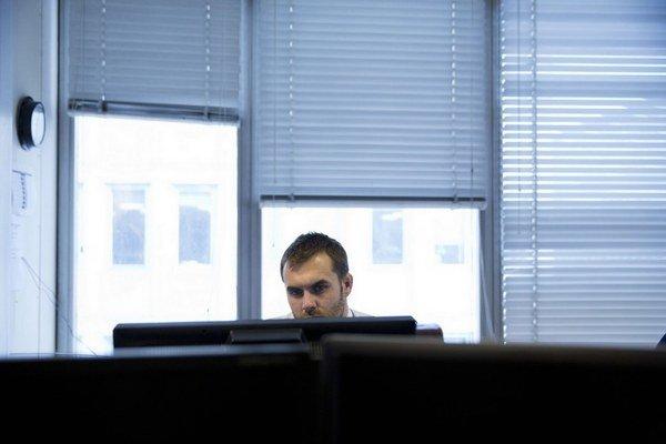Bez štátnej pomoci by pracovníci IBM na východe Slovenska zarábali 2350 eur v hrubom.