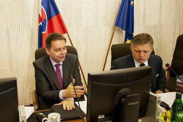 Tým, že od vlaňajšieho septembra do januára vláda otvorila druhý pilier, získala do rozpočtu 240 miliónov eur. No deficit tým nakoniec nezníži. ⋌ILUSTRAČNÉ FOTO – TASR