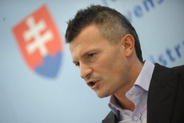 Letisko skúsilo rokovať o zmene poistky, tvrdí ministerstvo dopravy, ktoré vedie Ján Počiatek.