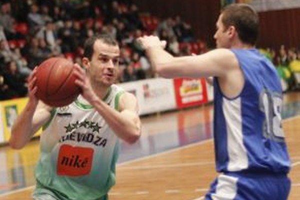 Hovaňák proti svojim bývalým spoluhráčom.