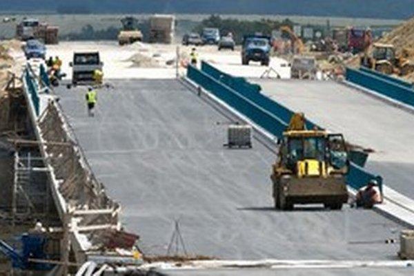 Druhá vláda Roberta Fica chce podobne ako tá prvá naštartovať výstavbu diaľnic vo veľkom.