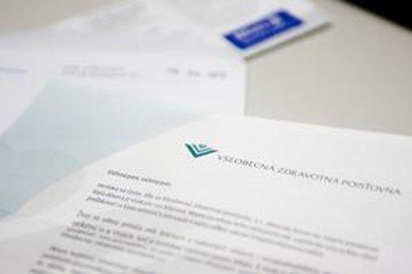 V obálke od Všeobecnej  zdravotnej poisťovne boli informácie o jej hospodárení. Pripojená bola aj ponuka poisťovne Allianz – SP na zľavu z doplnkového poistenia aj s návratkou.