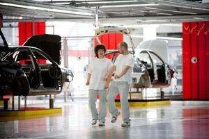 Vyššie zdanenie by sa dotklo aj automobiliek, ktoré u nás patria medzi najväčších zamestnávateľov.