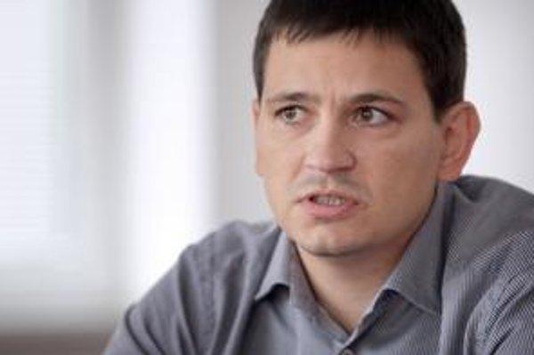 Získať údaje pre slovenské rebríčky, napríklad najbohatších ľudí, je ťažšie, ako šéfredaktor časopisu Forbes čakal.