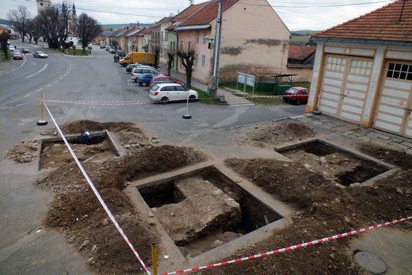 Podolínec. Archeologický výskum zrejme odhalil historický vstup do mesta.