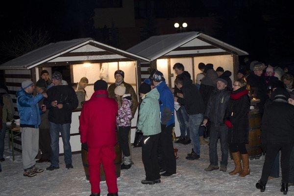 Stará Ľubovňa. Záver Silvestra i Nový rok si miestni užili v parku v širšom centre mesta.