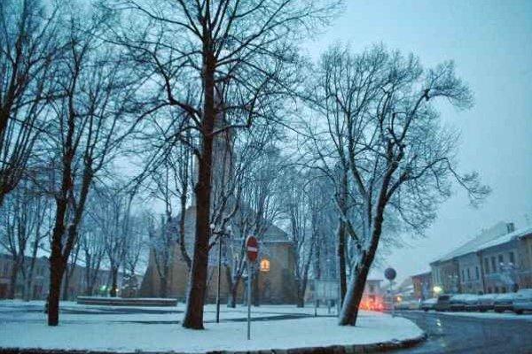 Počasie. Sneh sa nakrátko vrátil do Starej Ľubovne.