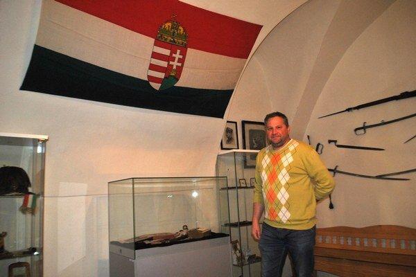 Výstava. Slovensko bolo počas veľkej vojny súčasťou Uhorska – na snímke jeho zástava.