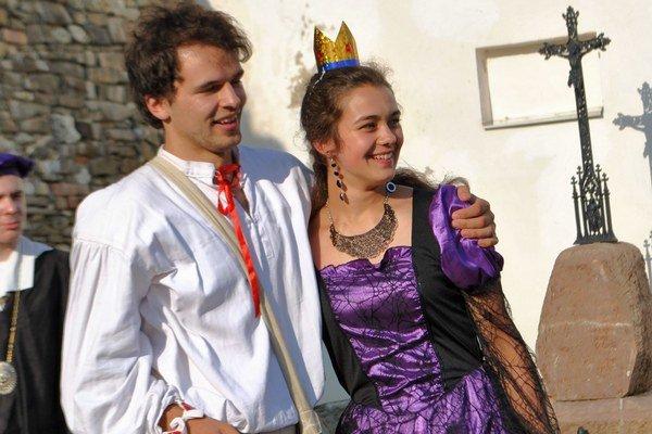 Tomáš a Mariana. Pre ochotníkov je divadlo veľkým koníčkom.