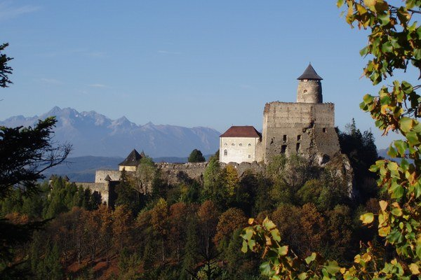 Hrad v Starej Ľubovni. Jeho dejiny sú späté nielen snašou, ale aj spoľskou históriou.