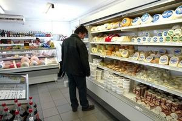 Pulty na potraviny, ktorým sa končí doba spotreby, pomôžu ľuďom, ktorí si nie vždy všímajú, koľko dní ostáva výrobkom. Obchodom spôsobia problém .