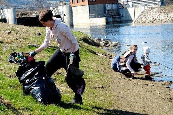 Upratovanie prebiehalo vokolí rieky Poprad.
