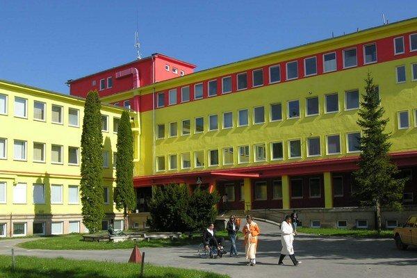Ľubovnianska nemocnica. Okrem pacientov z regiónu ju vyhľadávajú aj ľudia zo širokého okolia.