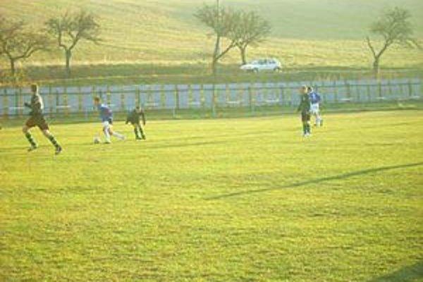 Hráči Novej Ľubovne. V zeleno–čiernych dresoch v zápase proti Pušovciam.