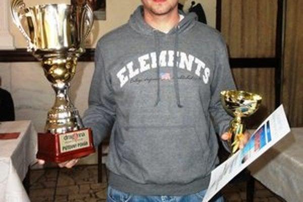 V rukách Barvinku. Putovný pohár Draganna volejbalovej ligy mix skončil napokon tam, kde i minulý rok – v rukách kamienskeho Barvinku.