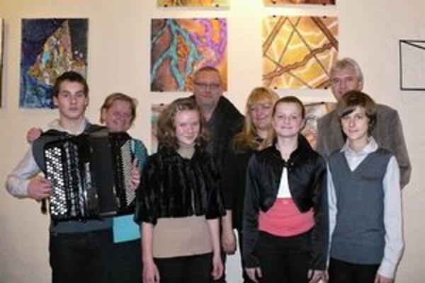 Úspešní akordeonisti. Na súťaži v Poprade získali niekoľko ocenení.