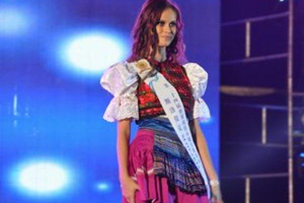 Martina Štupáková. Dokázala preraziť na prestížnej súťaži Miss Model of the World v Číne.