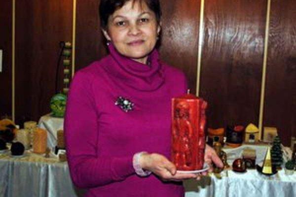 Pani Viera. Jej prvá sviečka pochádza z východného Nemecka.