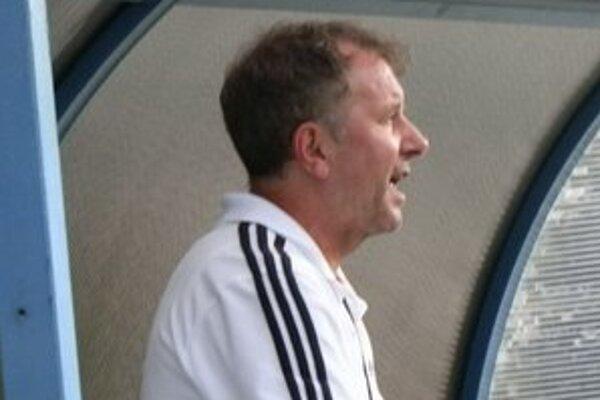 Kouč seniorského mužstva Staroľubovňanov. Po náročnej príprave je Peter Drobňák postavený s mužstvom pred ťažkú jar.