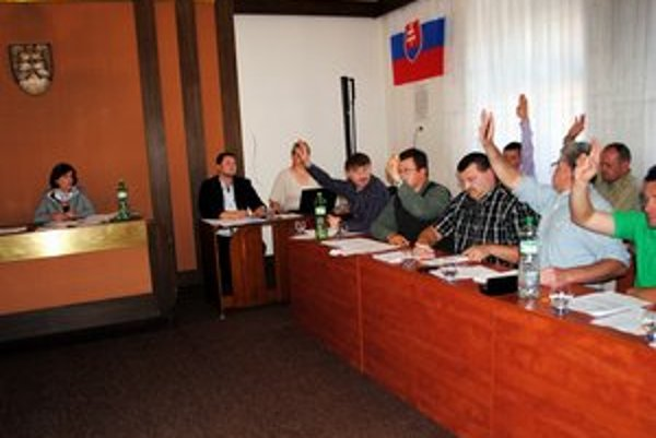 Poslanci v Podolínci odklepli zákaz automatov.
