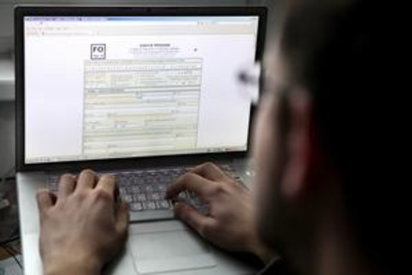 Priznať dane elektronicky je problém.