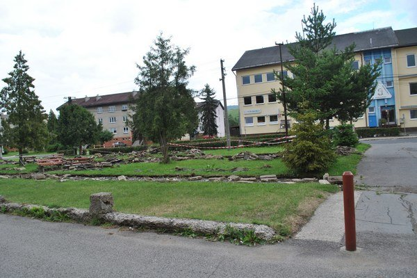 Nový park na starom mieste. Na parku sa pracuje od júna a práce by sa mali ukončiť v júli.