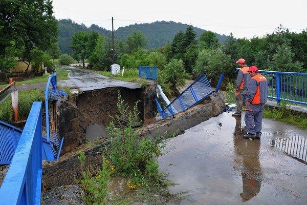 Most sa zrútil.
