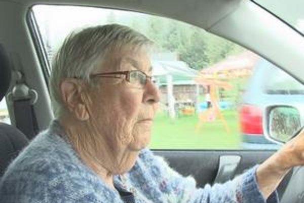 Čulá šoférka. Aj v pokročilom veku dokáže odjazdiť tisícky kilometrov.