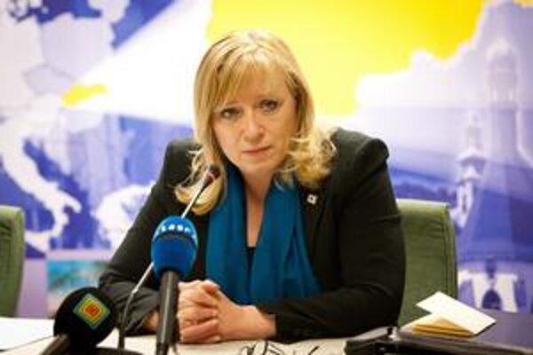 Šéf eurokomisie Barroso hovoril v piatok večer s premiérkou Radičovou o slovenských diaľniciach.