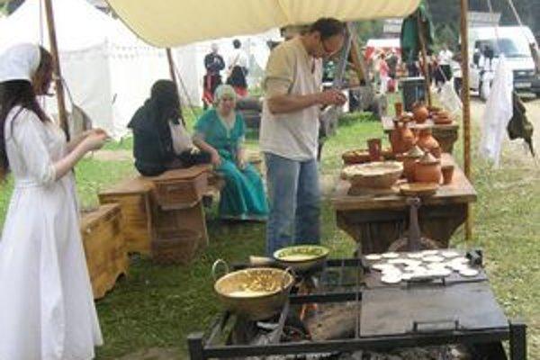 Stredoveká kuchyňa ponúkla aj svoje špeciality.