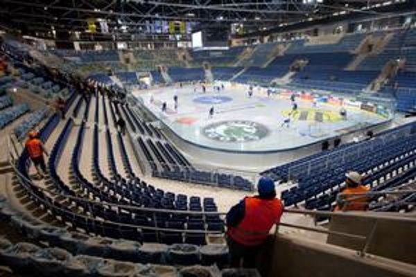 Na zaplatenie posledných faktúr za prestavbu štadióna si bude musieť Bratislava požičať.